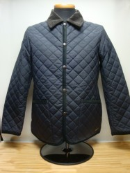 コリンボ UTICA BARN QUILTED JACKET Col.BLACK